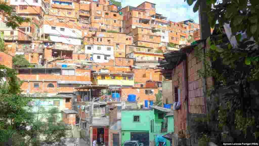Petare en el municipio Sucre, en Caracas, concentra la mayor cantidad de barrios en Venezuela, y también uno de los problemas más grandes: la recolección de basura.