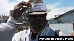L'activiste Alex Nzaba pour la libération des détenus à Brazzaville, le 5 novembre 2017. (VOA/Ngouela Ngoussou)