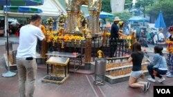 95%的泰国民众笃信佛教。(美国之音朱诺拍摄,2015年10月13日)