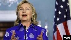 Clinton dijo que si la propuesta llega a manos del presidente Obama, le pedirá personalmente que la vete.