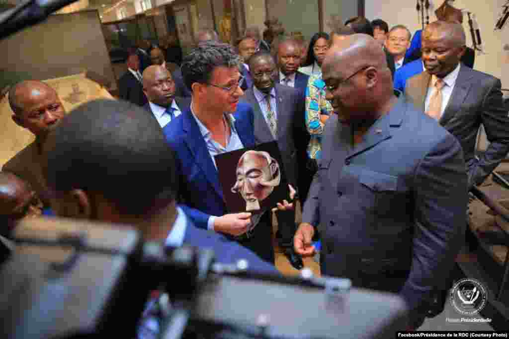 Président Félix Tshisekedi akati ruban na bufungwami ya Musée national ya sika, Kinshasa, RDC, 23 novembre 2019. (Facebook/Présidence de la RDC)