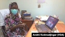 Moguinangar Dono Kadidja Gamoungane, cheffe de service adjointe des laboratoires HGRN au Tchad, le 6 mai 2020. (VOA/André Kodmadjingar)