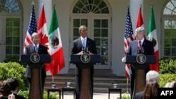 Слева направо: Фелипе Кальдерон, Барак Обама, Стивен Харпер.