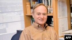 Tiến sĩ Richard Cronin, Giám đốc Chương trình Đông Nam Á thuộc Trung tâm nghiên cứu Henry L. Stimson ở thủ đô Washington