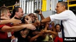 30일 미국 테네시주 아마존 센터에서 경제 연설을 하기 위해 입장하는 바락 오바마 대통령.