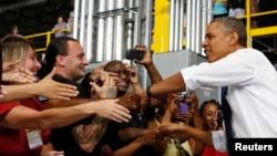 El presidente Obama viajó a Chattanooga, Tennessee, donde propuso un gran pacto por el empleo para la clase media en un centro de distribución de Amazon.