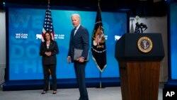 Tổng thống Joe Biden và Phó Tổng thống Kamala Harris trong cuộc họp báo tại Tòa Bạch Ốc về chương trình tiêm vaccine COVID-19, ngày 2/6/2021