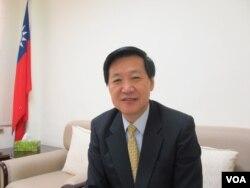 台湾执政党国民党立委费鸿泰(美国之音张永泰拍摄)