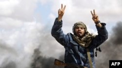 НАТО активизирует авиудары по силам Каддафи