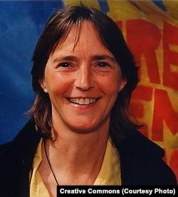 """""""为权力和变革组织起来""""的政治活动人士丽莎•费希安(Lisa Fithian)"""