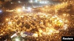 'Yan adawa da shugaba Morsi suke nasu zanga zangar a dandalin Tahrir
