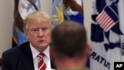 Trump ha sugerido un cambio en el comando militar en Afganistán, donde Estados Unidos libra una guerra desde hace casi 17 años.