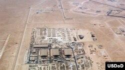 قطر میں امریکی فوج کے زیرِاستعمال العدید ایئر بیس کے ایک حصے کا فضائی منظر (فائل)