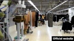 북한 노동자들이 근무하고 있는 것으로 알려진 몰타의 의류공장 내부 사진. 레저 클로딩(Leisure Clothing) 웹사이트에 게재된 사진. (자료사진)