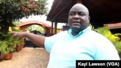 Emmanuel Mensah, responsable marketing du groupe de restauration Balkan et Wings 'n Shake, Lomé, 6 août 2020. (VOA/Kayi Lawson)