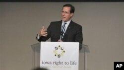 Rick Santorum na jednom skupu u Iowi