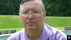 Alisher Taksanov, mustaqil tahlilchi