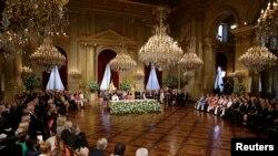 Belgijski kralj Albert u kraljevskoj palati predao presto svom sinu princu Filipu. 21. juli, 2013.