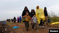 Migranti blizu mesta Reske u Mađarskoj