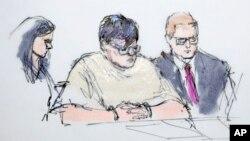 Ilustración de la presentación de Enrique Márquez (centro) en la corte federal de Riverside, California.