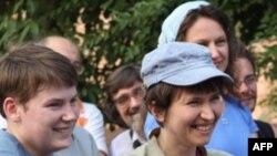 Юлия Приведенная на митинге с правозащитниками до суда