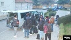 Сирийские беженцы на албанской границе