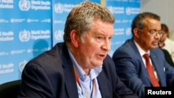 世卫组织紧急情况项目负责人瑞安在记者会上讲话。(2020年2月6日)