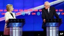 Demokratski predsednički pretendenti Hilari Klinton i Berni Sanders