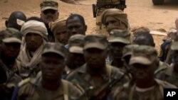 Des soldats maliens, 27 juillet 2013
