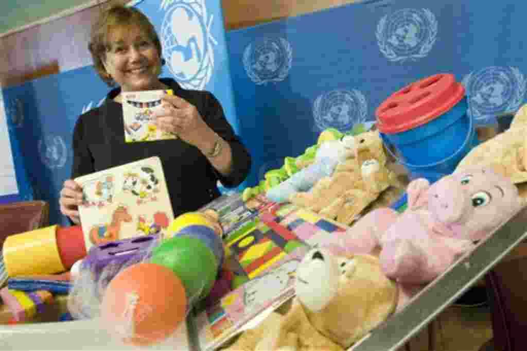 Ann M. Veneman es la directora general de Unicef, organización reconocida por el programa de almuerzos para niños y desarrollo de emergencias para niños entre 0 y 6 años de edad.