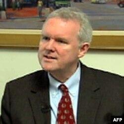 市议员维尔斯支持居民后院养鸡