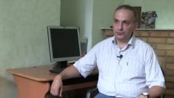 Samir Əliyev: Manatın devalvasiyası zaman məsələsidir