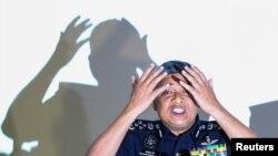 ملائیشیا پولیس کے سربراہ نیوز کانفرنس کے دوران