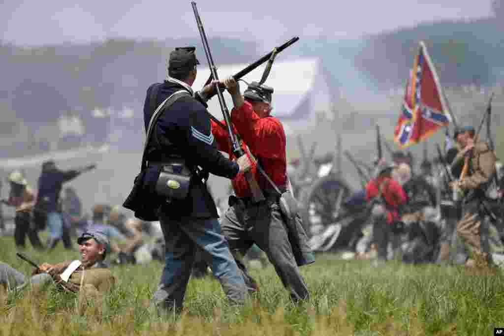 Pelea cuerpo a cuerpo, como las que en realidad sucedieron hace 150 años durante la guerra civil estadounidense.