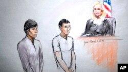 미국 수사당국이 보스턴 테러 용의자 3명을 추가로 체포한 가운데, 1일 보스턴 심리에 출석한 디아스 카디르바예프(왼쪽)와 아자마트 타즈하야코프.