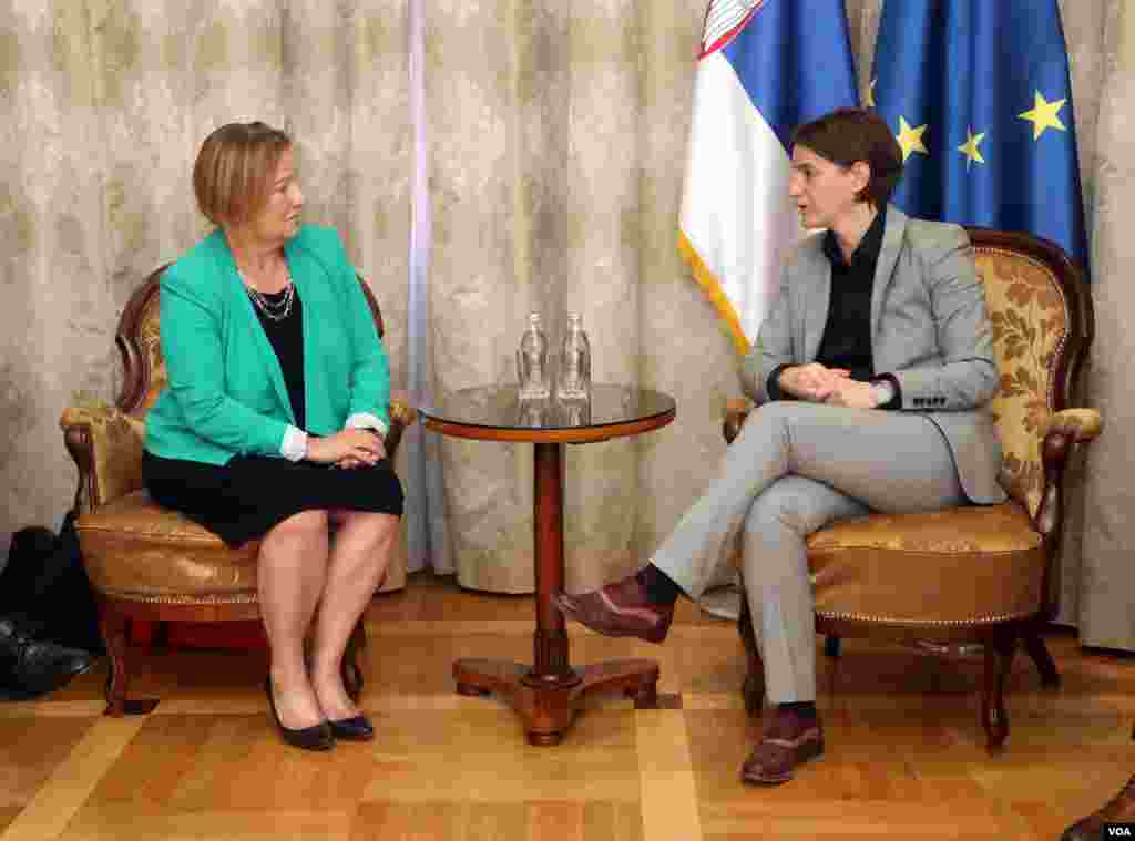 VOA Director Amanda Bennett meets with Serbian Prime Minister Ana Brnabić in Belgrade, Serbia, September 20, 2017.