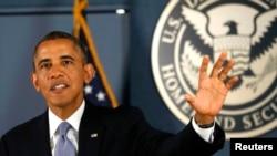 奧巴馬星期一對美國聯邦緊急事務管理署工作人員講話