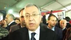 憤怒的哀悼者埋葬遇害黎巴嫩政治家