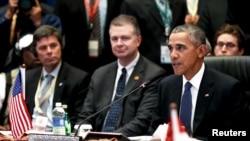 美国总统奥巴马2015年11月21日在马来西亚吉隆坡召开的美国-东盟峰会会议上讲话。