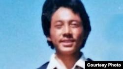 西藏導遊貢卻津巴因為西方媒體提供新聞資訊被判處21年徒刑,在服刑近8年時,他因在獄中受虐於2021年2月6日死亡。