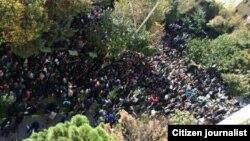 یکی از تجمعات مردمی در اعتراض به اسیدپاشی های اخیر در اصفهان
