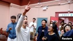 Pristalice kandidata Kelvina Lama slave njegovu pobjedu na lokalnim izborima.