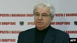 Shqipëri: Vazhdojnë shkëmbimet e akuzave mes shumicës dhe opozitës