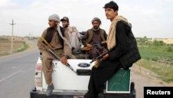 مجاهدین پیشین و جنگجویان وفادار به آنان به نقض حقوق بشر متهم اند
