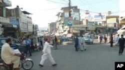 مینگورہ کے مرکزی بازار کا ایک منظر