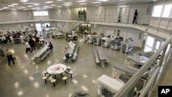 Один из центров временного содержания нелегалов