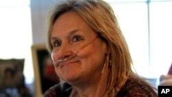 Bà Lisa Bowman là một trong những bệnh nhân đang chờ được cấy ghép phổi từ 2 năm nay, 25/10/13