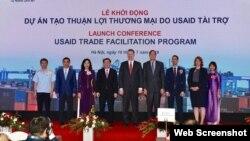 Cơ quan Phát triển quốc tế Hoa Kỳ (USAID) khởi động Dự án Tạo thuận lợi thương mại trị giá 21,78 triệu đôla bằng cách giúp Việt Nam giảm thời gian thông quan hàng hóa xuất nhập khẩu, ngày 10/7/2019. Photo US Embassy Hanoi