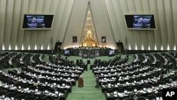 伊朗議會星期日開會。