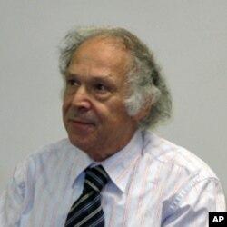南加大东亚研究所主任骆思典